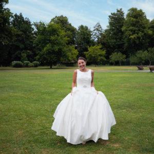 Bridein the Memorial Park, Romsey – Dom Brenton Photography