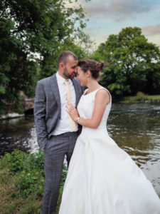 'Newlywed' couple beside the River Test, Romsey – Dom Brenton Photography