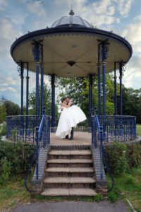 'Newlywed' couple on the bandstand in the Memorial Park, Romsey – Dom Brenton Photography